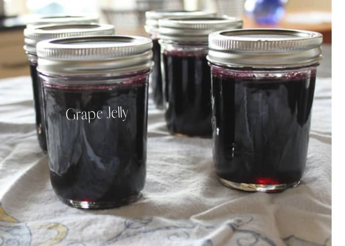 grape jelly in a cup