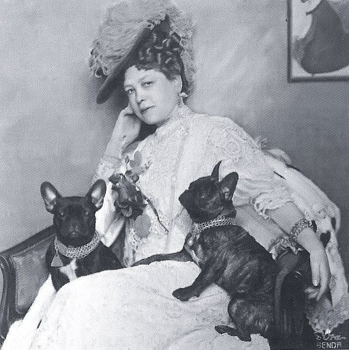 Anna-Maria Sacher with her French bulldogs in 1908